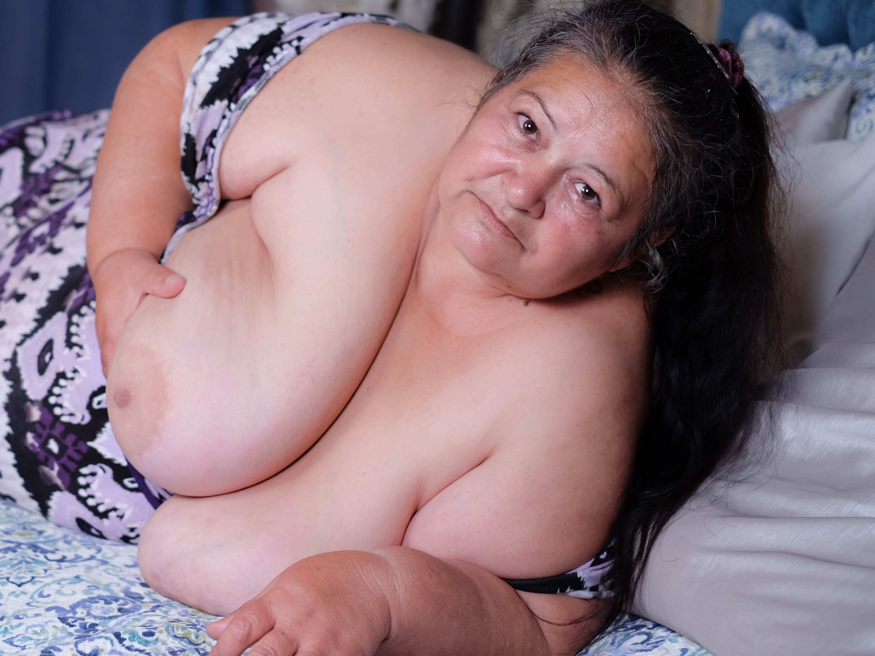 Live sex chat with BBWLadyForYou - at Sexier.com