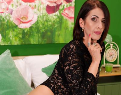 XeniaMILF, 45 – Live Adult cam-girls and Sex Chat on Livex-cams